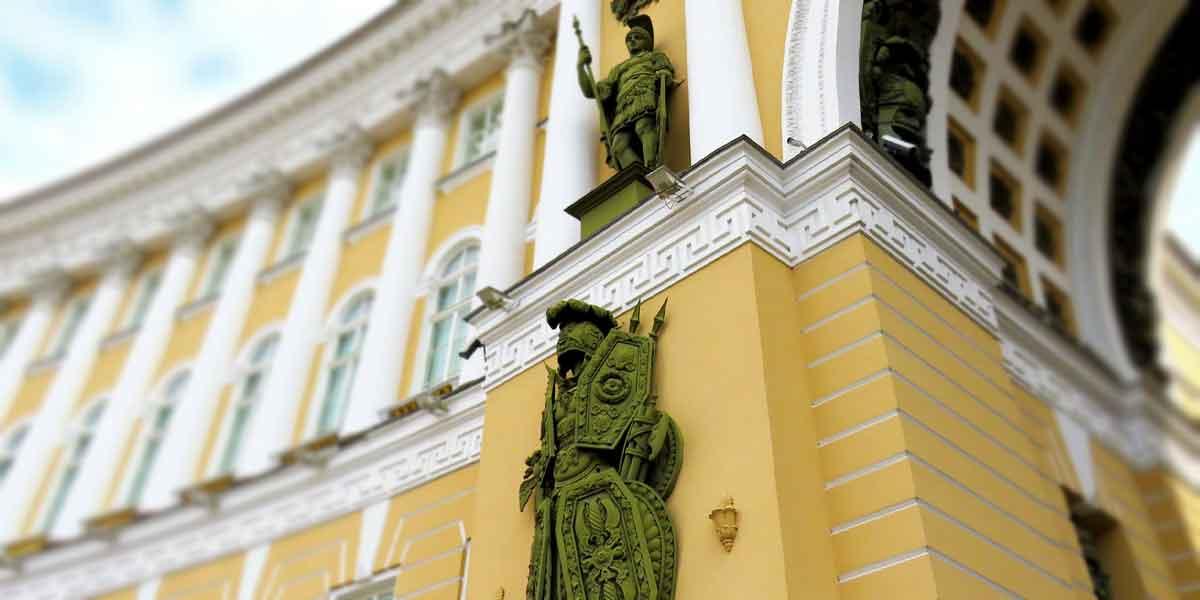 Luggage Storage in St. Petersburg